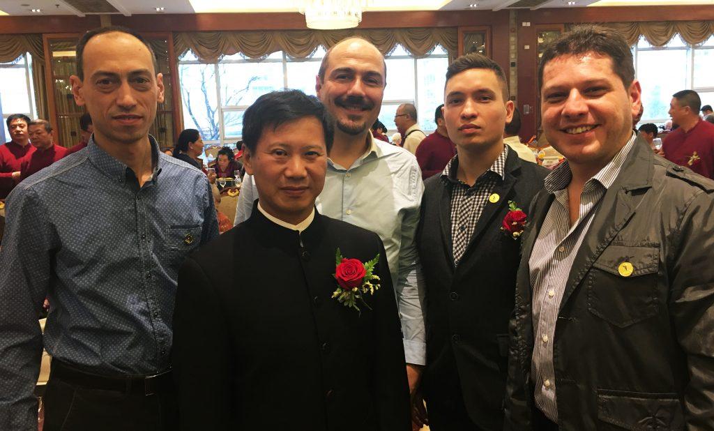 с грандмайстор Ян Джун